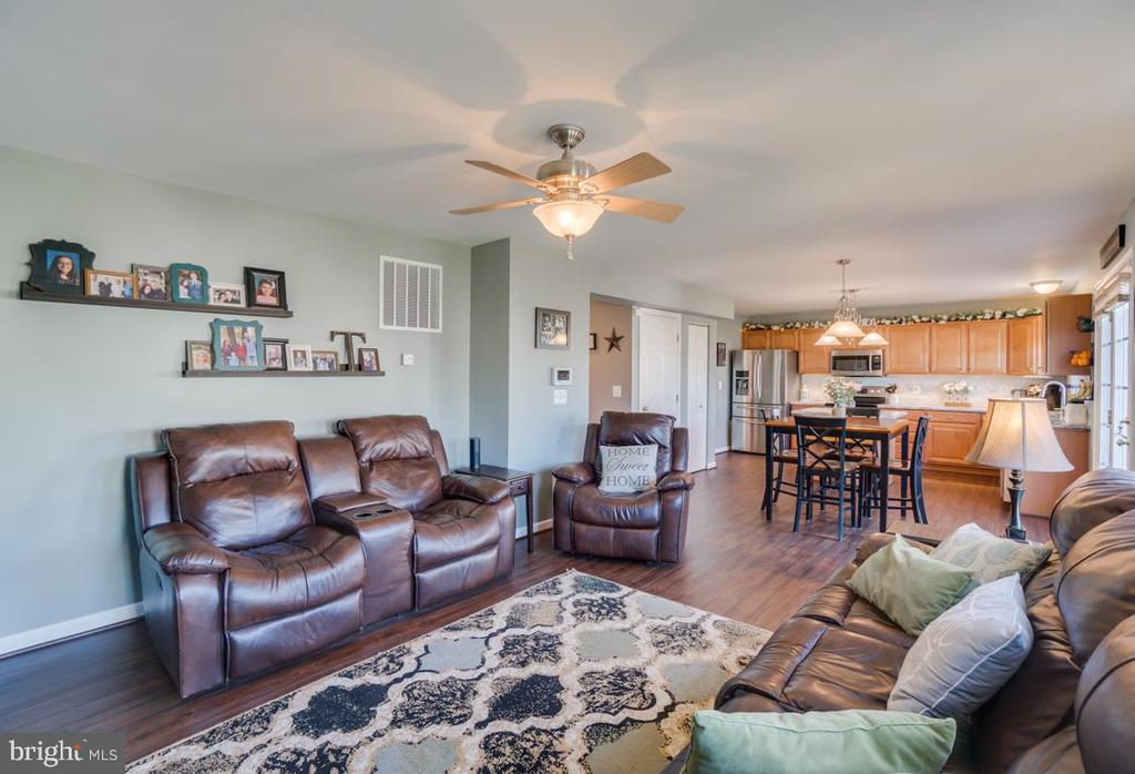 Ceiling Fan in Family Room - 6105 MCCARTHY DR, KING GEORGE
