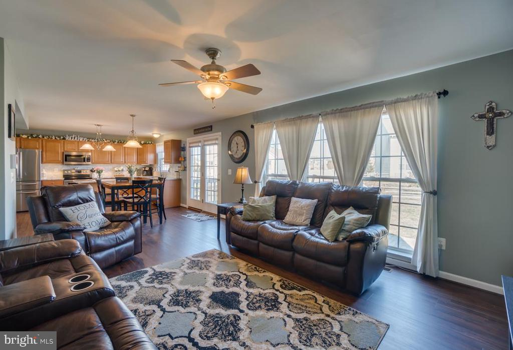 Large Windows in Family Room - 6105 MCCARTHY DR, KING GEORGE