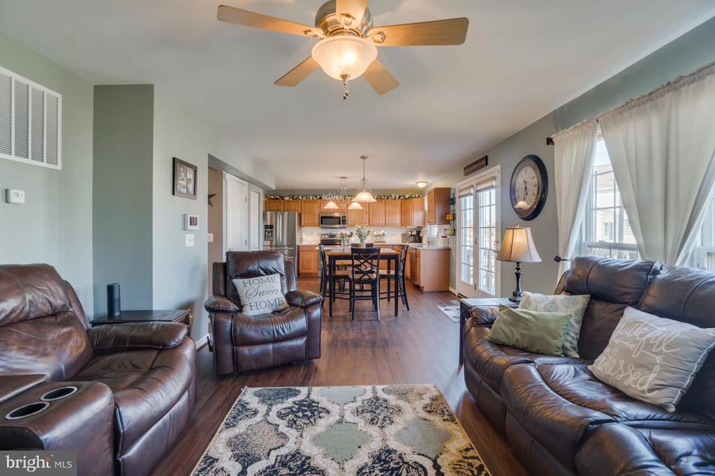 Family Room Opens to Kitchen and Breakfast Area - 6105 MCCARTHY DR, KING GEORGE