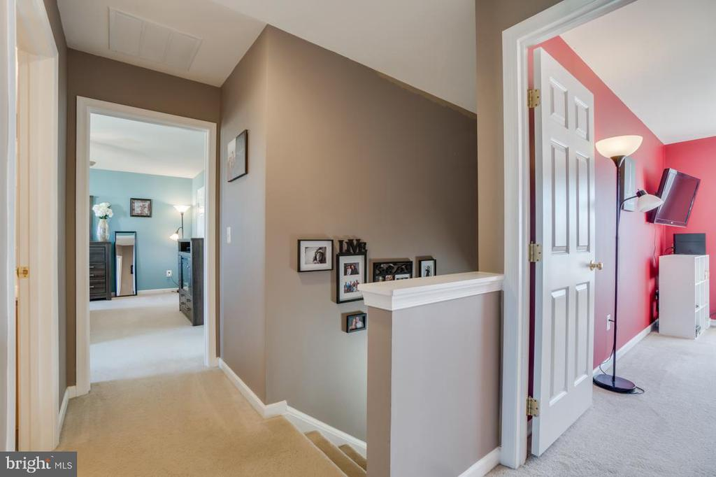 Upstairs Hall - 6105 MCCARTHY DR, KING GEORGE