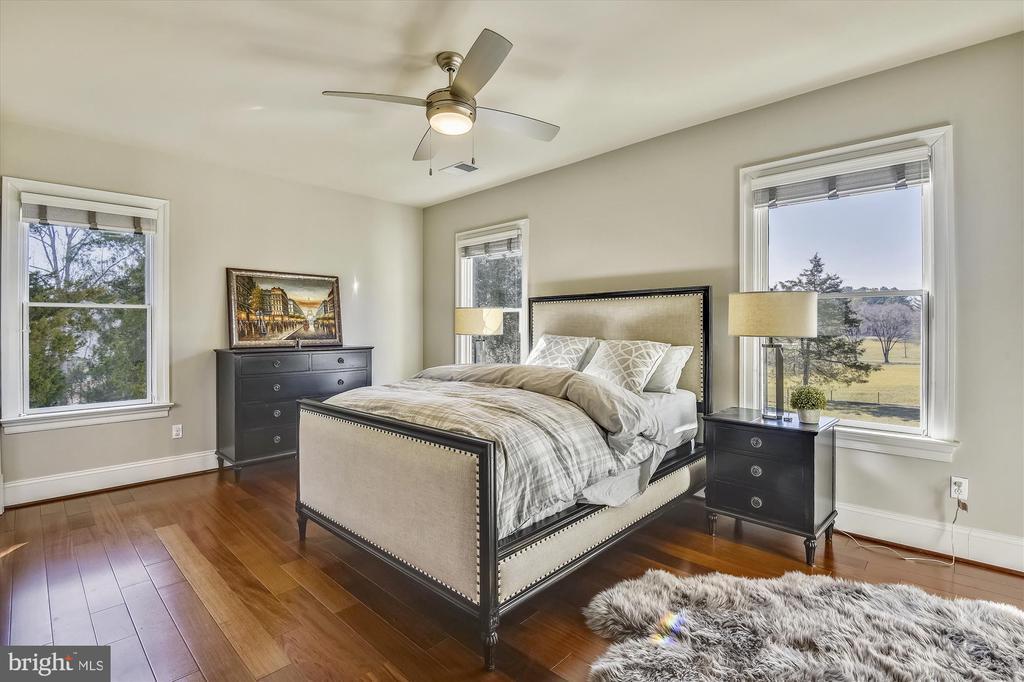 Bedroom #3 Upper Level - 9801 BEACH MILL RD, GREAT FALLS