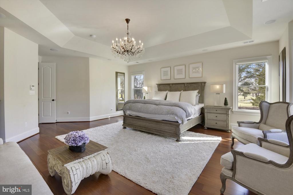 Master Bedroom - 9801 BEACH MILL RD, GREAT FALLS