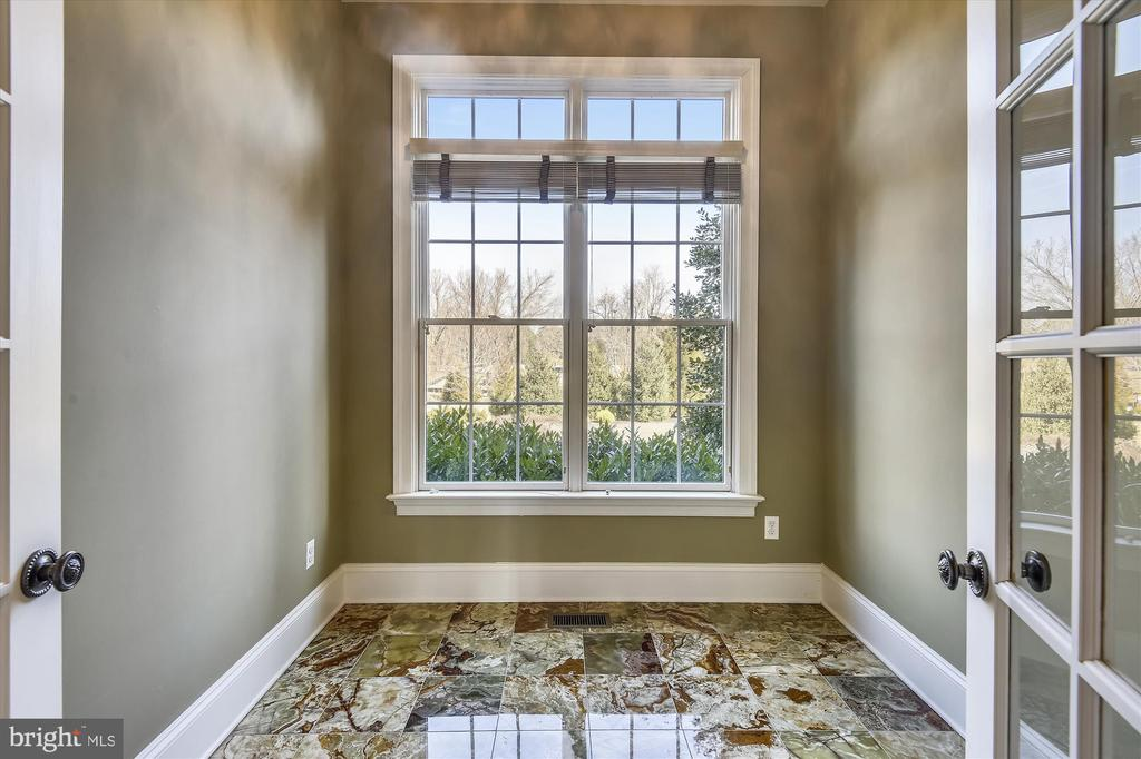 Optional Room adjacent to entry from Garage - 9801 BEACH MILL RD, GREAT FALLS