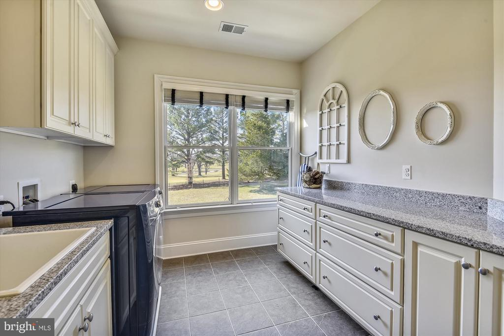 Oversized  Laundry Room on Upper Level - 9801 BEACH MILL RD, GREAT FALLS