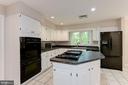 Gourmet Kitchen - 8205 COLLINGWOOD CT, ALEXANDRIA