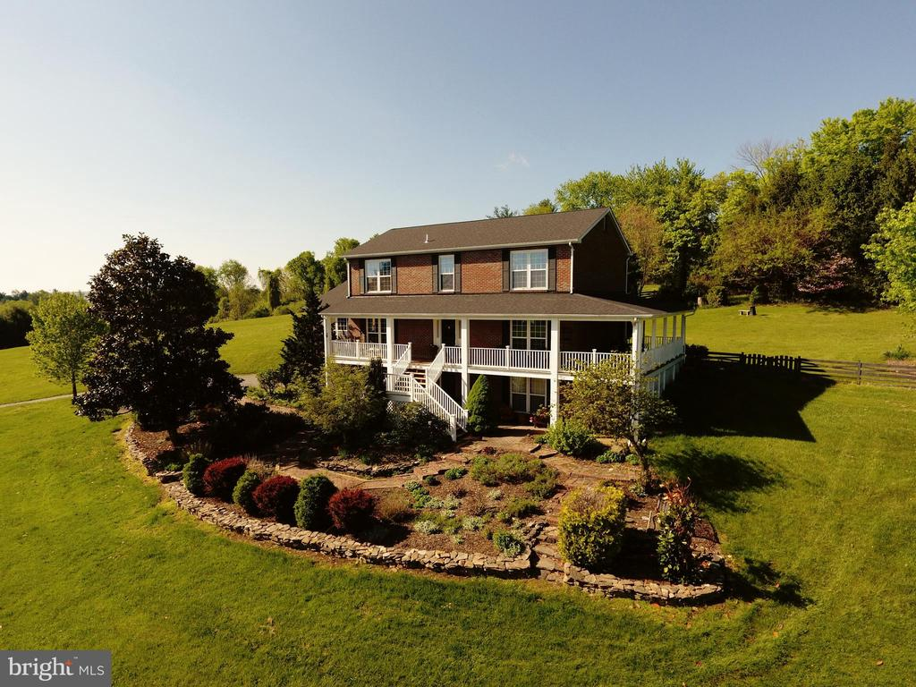 Your own piece of the country! - 39520 SWEETFERN LN, LOVETTSVILLE