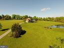Welcome to your new home - 39520 SWEETFERN LN, LOVETTSVILLE