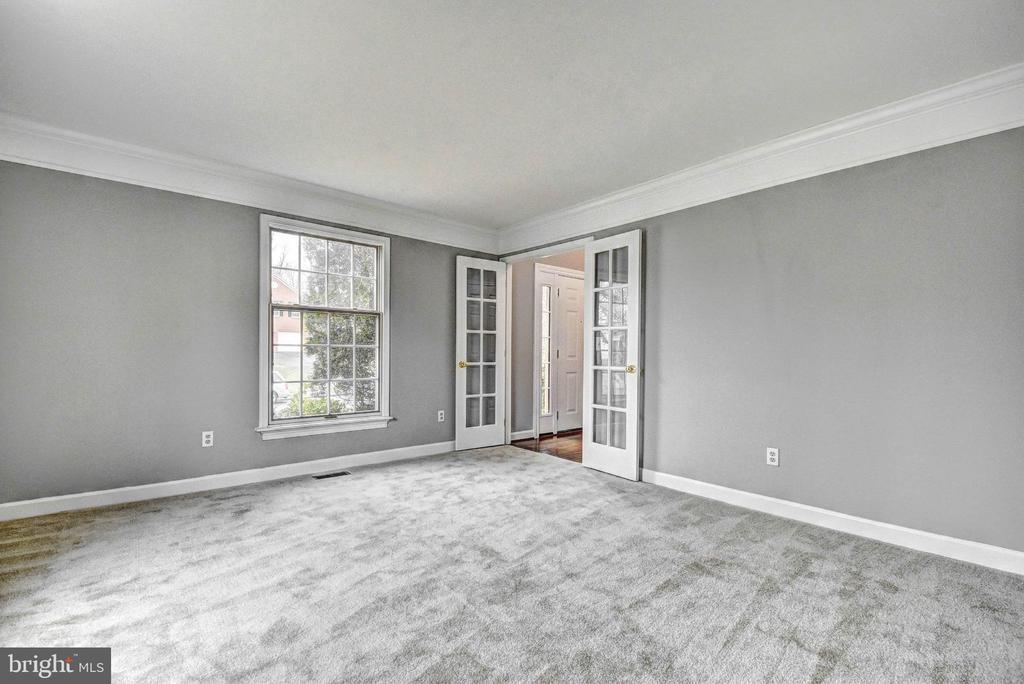 Formal Living Room/Office - 9 BURNS RD, STAFFORD
