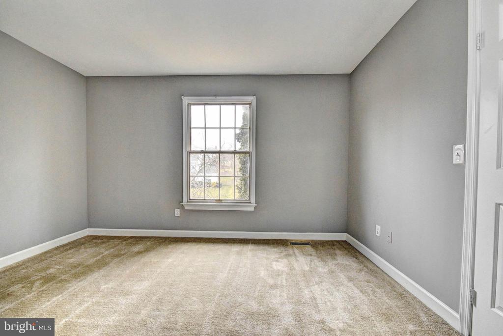 Bedroom 3 - 9 BURNS RD, STAFFORD