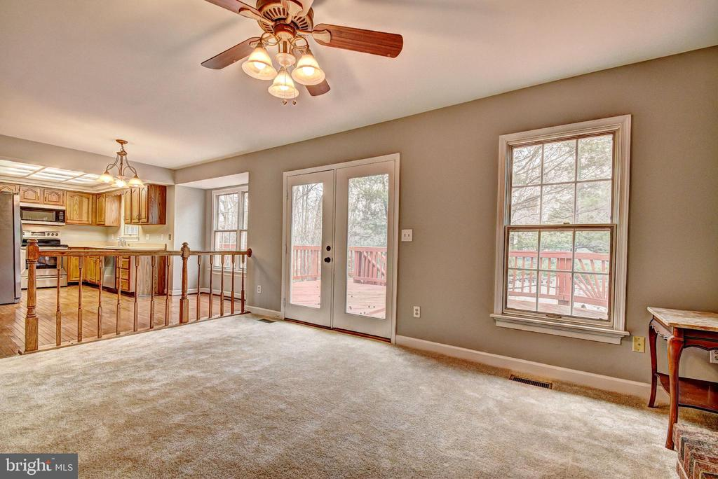 Family Room to Rear Deck - 9 BURNS RD, STAFFORD