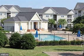 Community Pool and clubhouse - 18707 DRUMMOND PL, LEESBURG