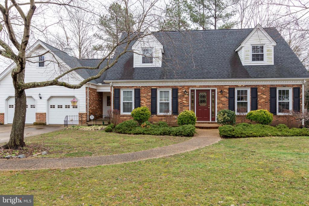 - 18499 RUNNING PINE CT, TRIANGLE