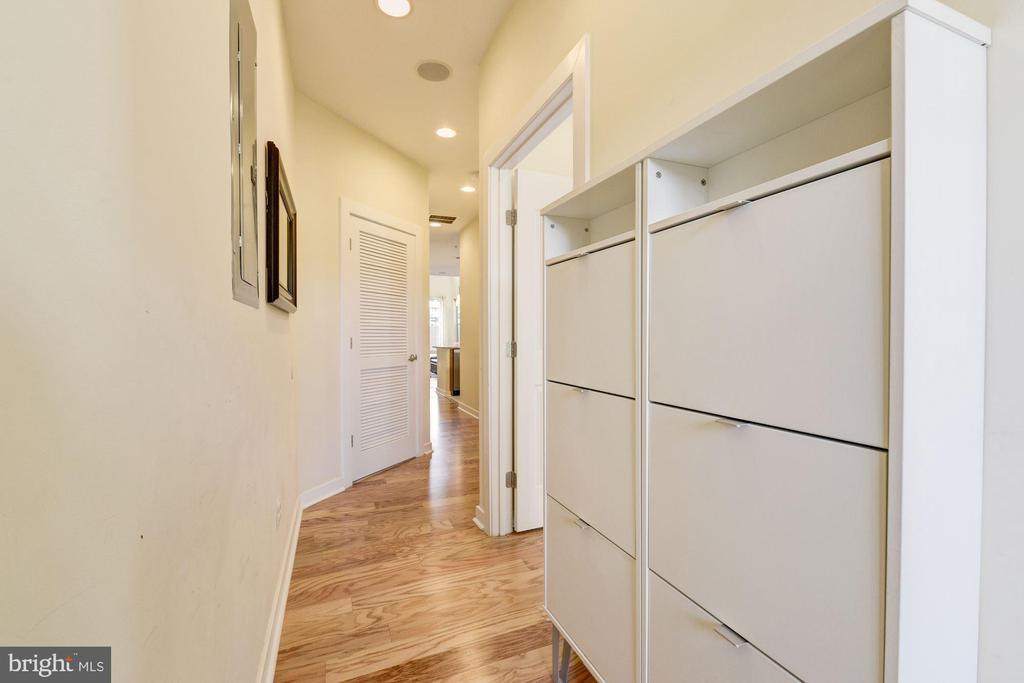 Hallway - 1811 3RD ST NE #1, WASHINGTON