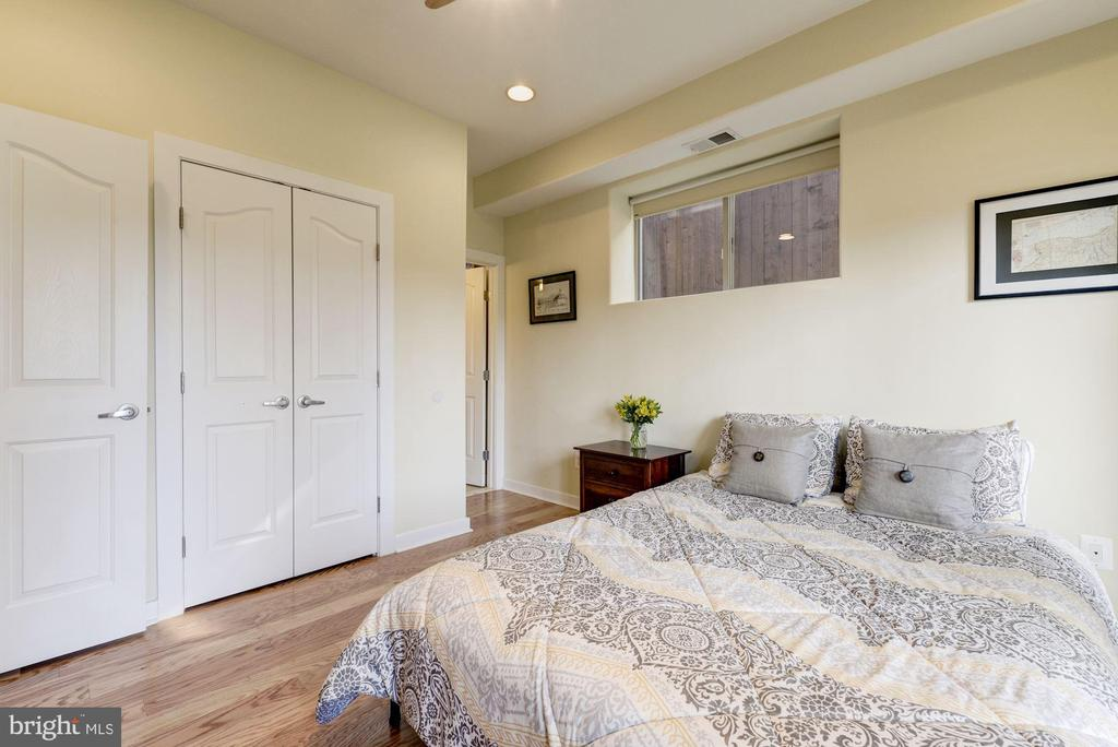 Bedroom #3 is Connected to Private Full Bathroom! - 1811 3RD ST NE #1, WASHINGTON