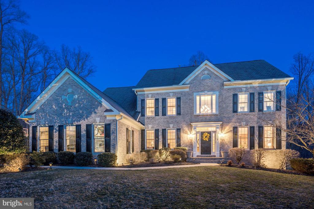 How would'd you like to arrive home to this!? - 1309 SHAKER WOODS RD, HERNDON