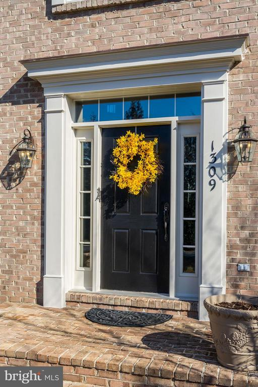 Welcome.... please come in! - 1309 SHAKER WOODS RD, HERNDON