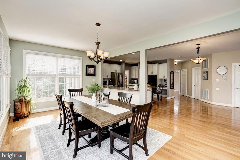 View from dining area into the kitchen - 1309 SHAKER WOODS RD, HERNDON