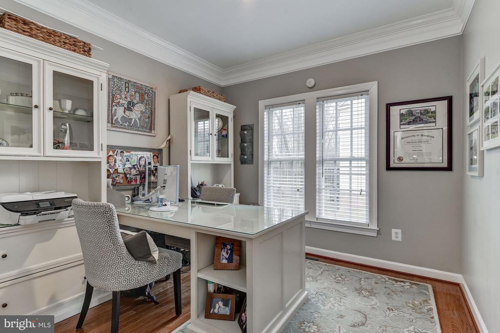 Main level home office with french doors - 718 TURTLE POND LN, GAITHERSBURG