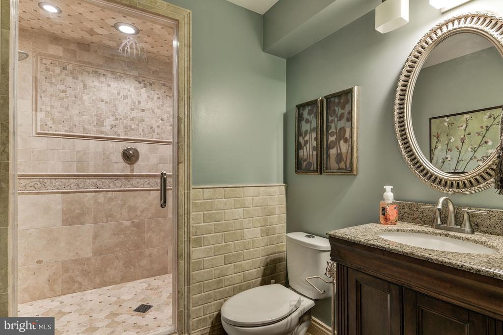 Renovated bath with steam shower - 718 TURTLE POND LN, GAITHERSBURG
