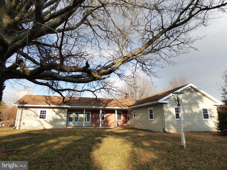 Enfamiljshus för Försäljning vid 29 S CEDARWOOD Avenue Penns Grove, New Jersey 08069 Förenta staterna