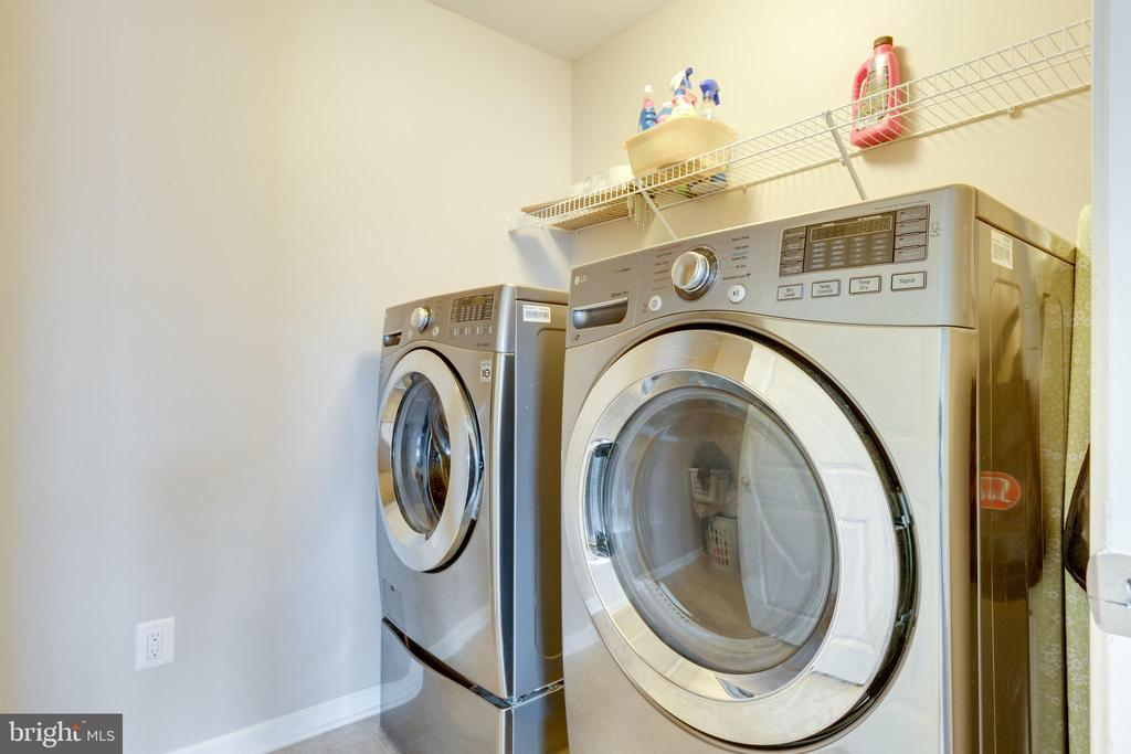 Laundry upper level- EASY - 2439 GLOUSTER POINTE DR, DUMFRIES