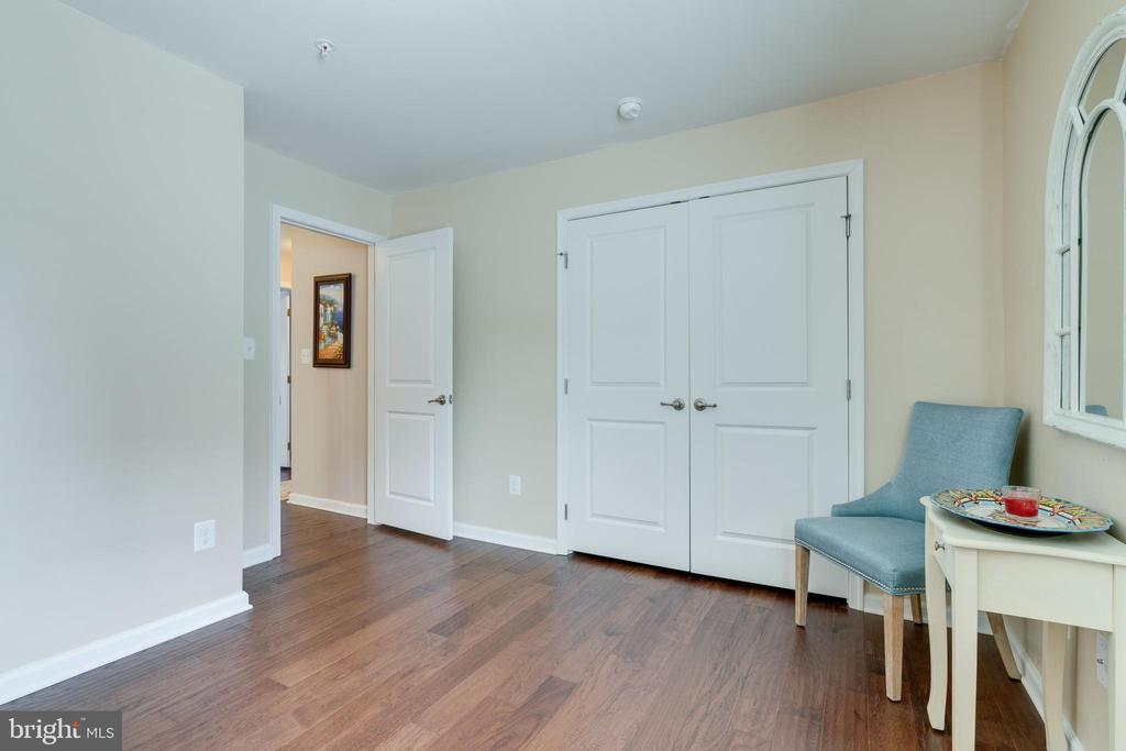 Office/bedroom with a large Media Closet - 2439 GLOUSTER POINTE DR, DUMFRIES