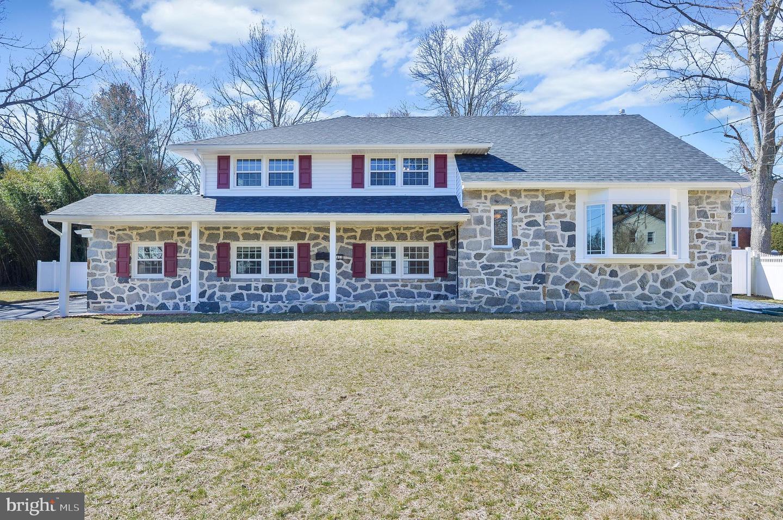 Villa per Vendita alle ore 2411 CHESTNUT Lane Cinnaminson, New Jersey 08077 Stati Uniti
