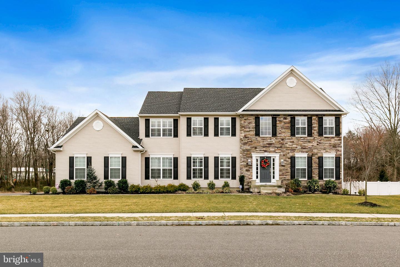 Maison unifamiliale pour l Vente à 12 TAFT Court Hainesport, New Jersey 08036 États-Unis