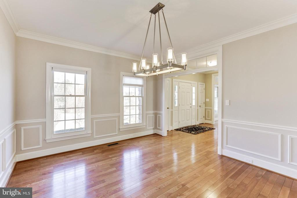 Dining Room -Large and light - 11911 CRAYTON CT, HERNDON