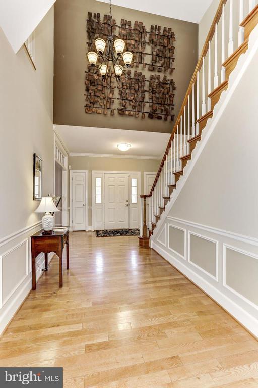 Hallway - 11911 CRAYTON CT, HERNDON