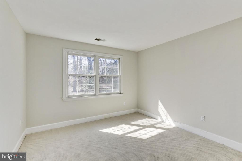 3rd Bedroom - 11911 CRAYTON CT, HERNDON