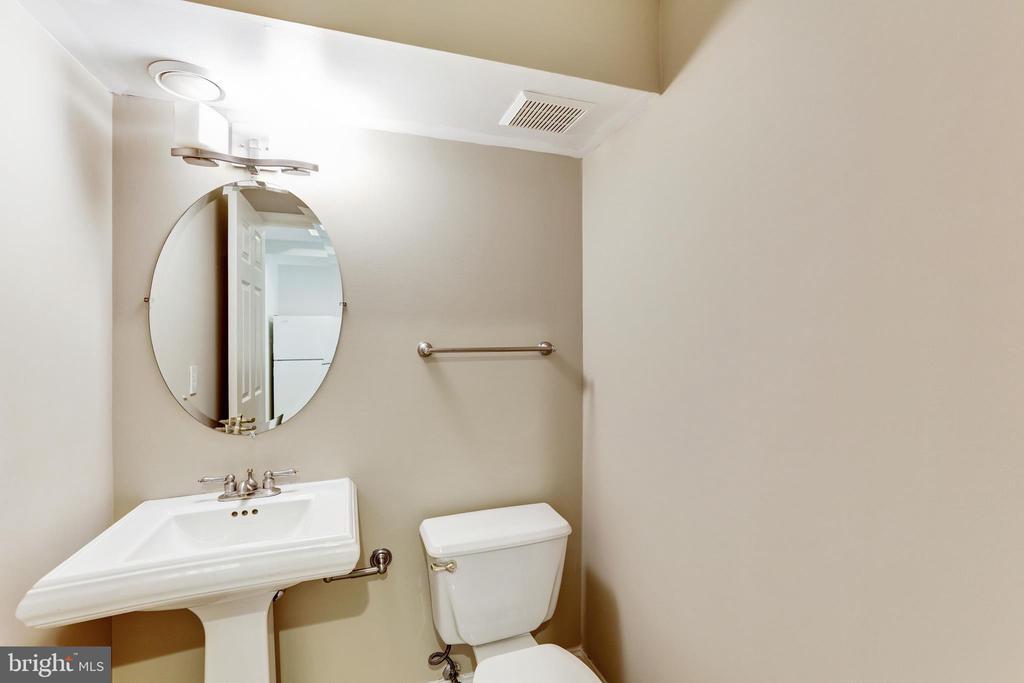 Lower Level half bath - 11911 CRAYTON CT, HERNDON