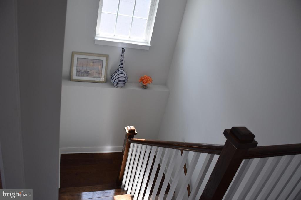 STAIRS - 2014 S LANGLEY ST, ARLINGTON