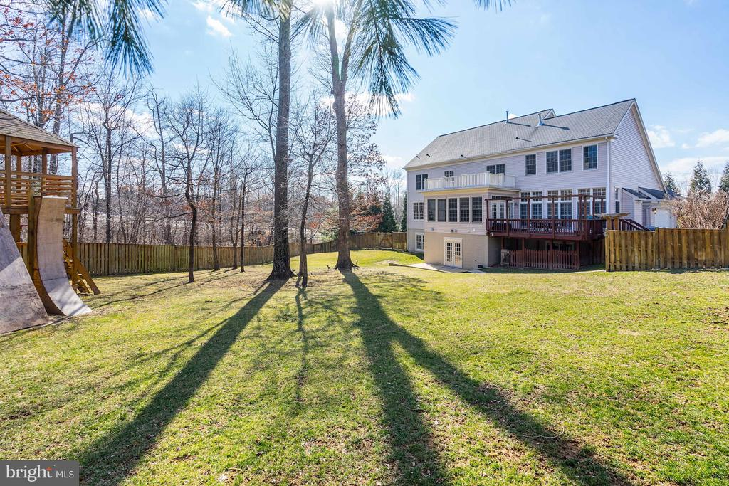 Fantastic outdoor space here. - 1309 SHAKER WOODS RD, HERNDON