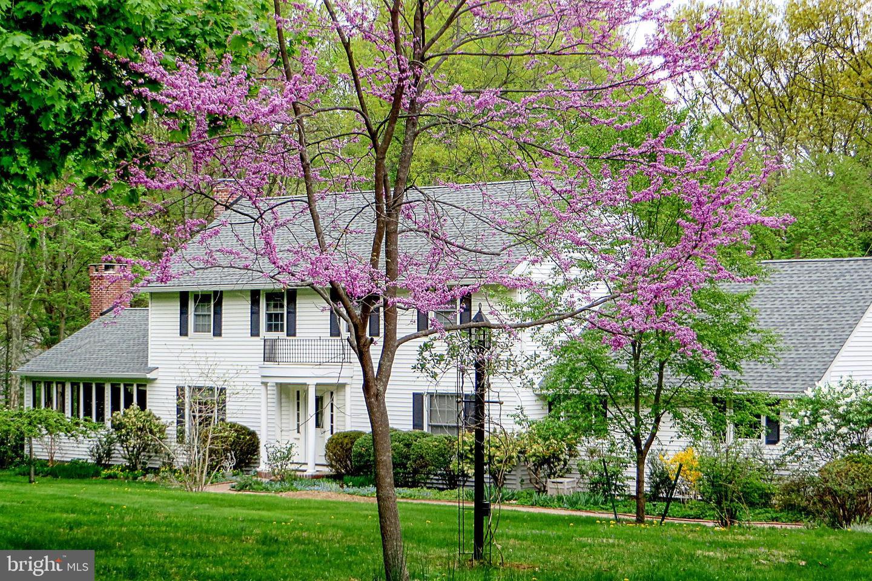 Частный односемейный дом для того Продажа на 16 FORREST EDGE Drive Titusville, Нью-Джерси 08560 Соединенные ШтатыВ/Около: Hopewell Township