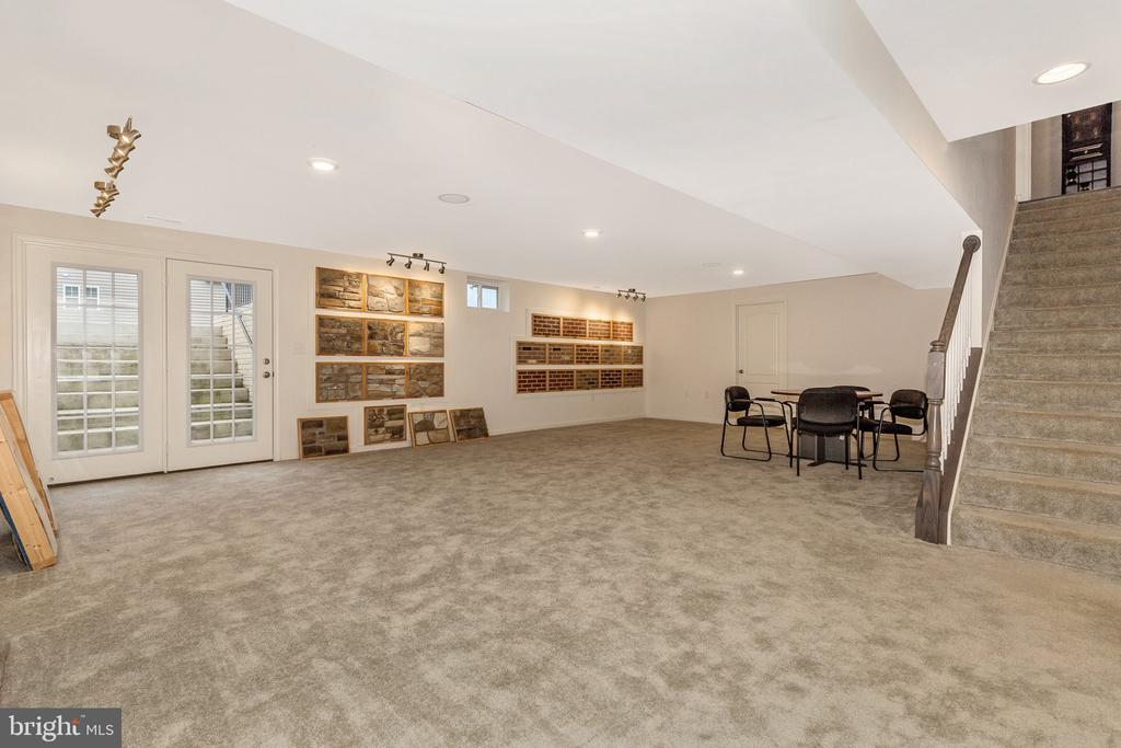 optional Finished Basement - 501 ISAAC RUSSELL, NEW MARKET