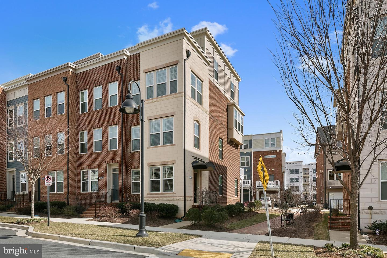 Single Family for Sale at 228 Hemingway Dr Gaithersburg, Maryland 20878 United States