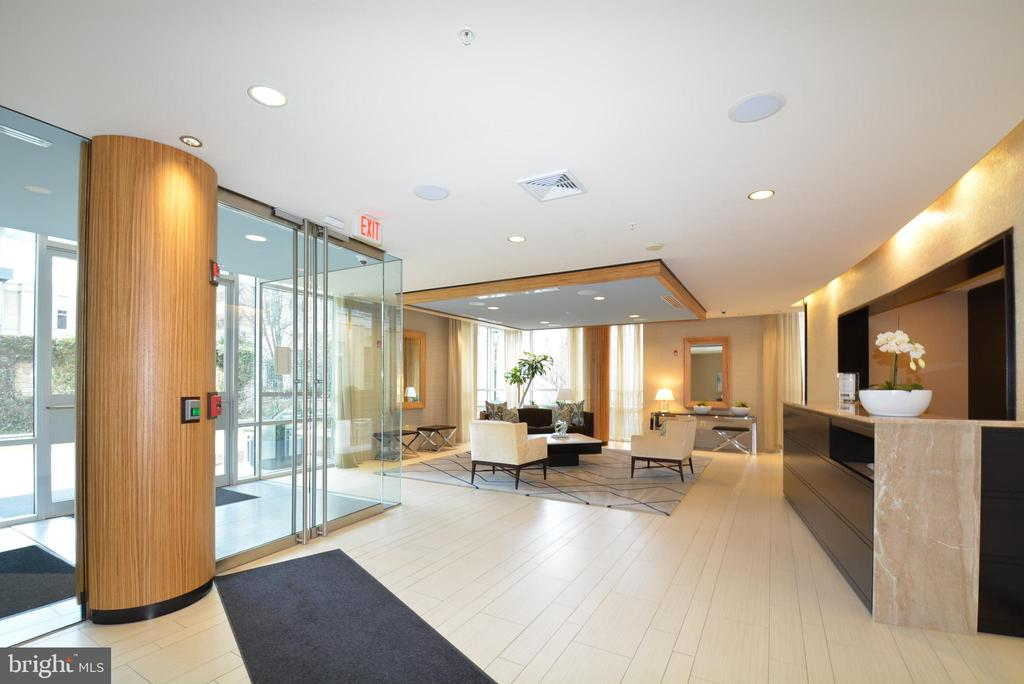 Concierge and Front Lobby of Building - 12025 NEW DOMINION PKWY #G101, RESTON