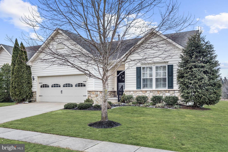 Maison unifamiliale pour l Vente à 43 WOODFIELD CIRCLE Pemberton, New Jersey 08068 États-Unis
