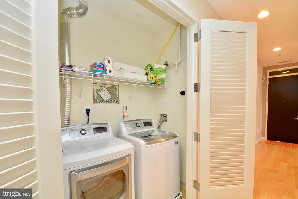 Full washer and dryer with lots of storage - 12025 NEW DOMINION PKWY #G101, RESTON