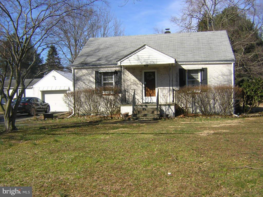 Single Family Home for Sale at 19 PARKWAY Avenue Plainsboro, New Jersey 08536 United StatesMunicipality: Plainsboro Township