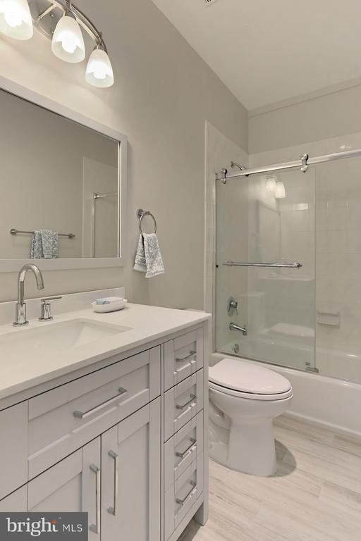 Bath - 36585 SAWMILL LN, PURCELLVILLE