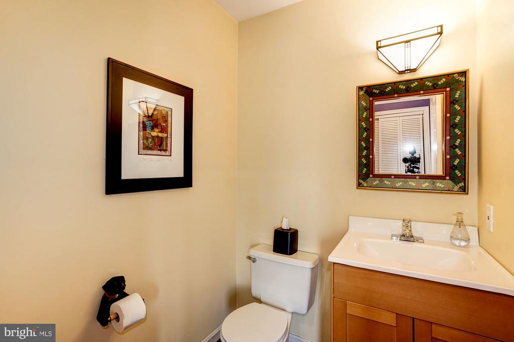 Half Bathroom - 5322 BLACK OAK DR, FAIRFAX