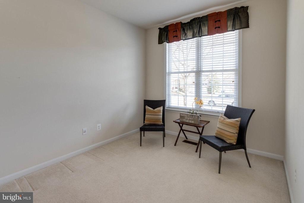 Office has plenty of room for furniture - 6136 FERRIER CT, GAINESVILLE
