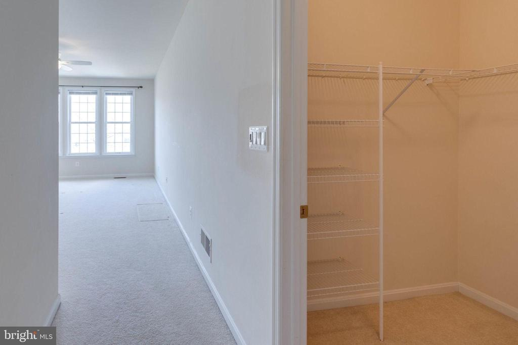 Entering the master bedroom - 6136 FERRIER CT, GAINESVILLE