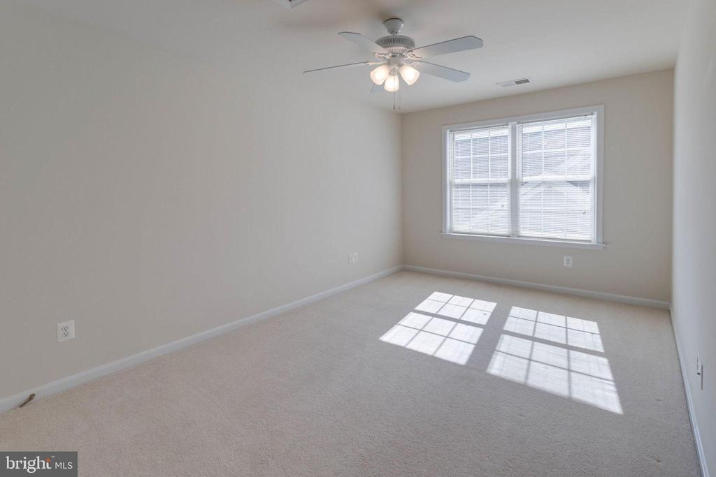 Upper level bedroom 3 - 6136 FERRIER CT, GAINESVILLE