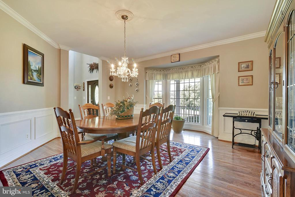 Formal Dining Room  for holiday celebrations - 38961 SHIRE MEADOW LN, HAMILTON