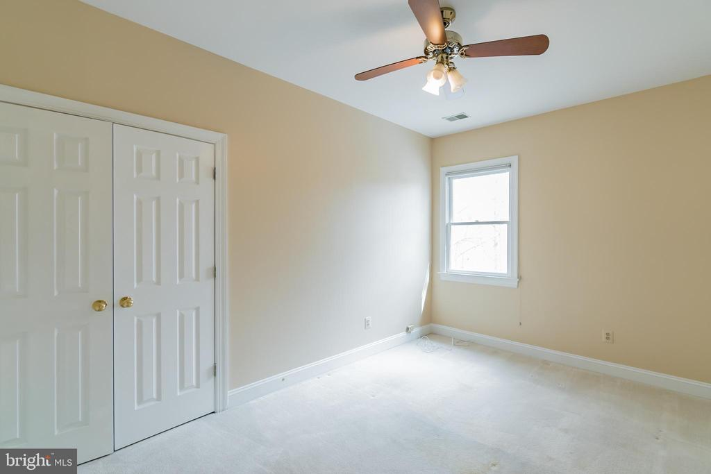 Bedroom 4 on upper level - 20440 SWAN CREEK CT, STERLING