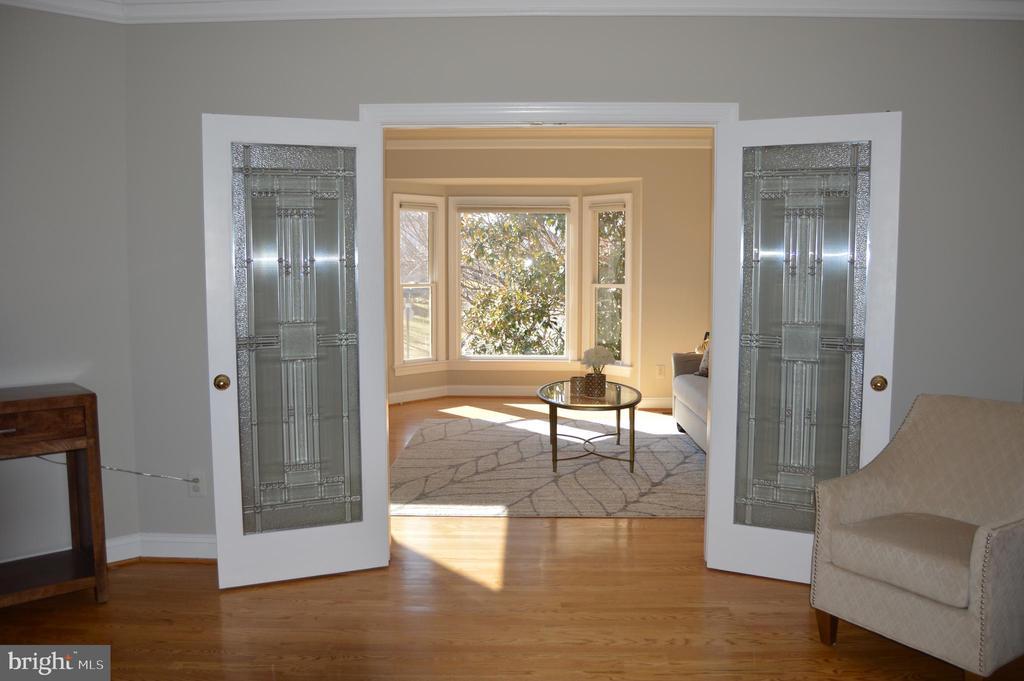 Custom glass doors throughout - 20440 SWAN CREEK CT, STERLING