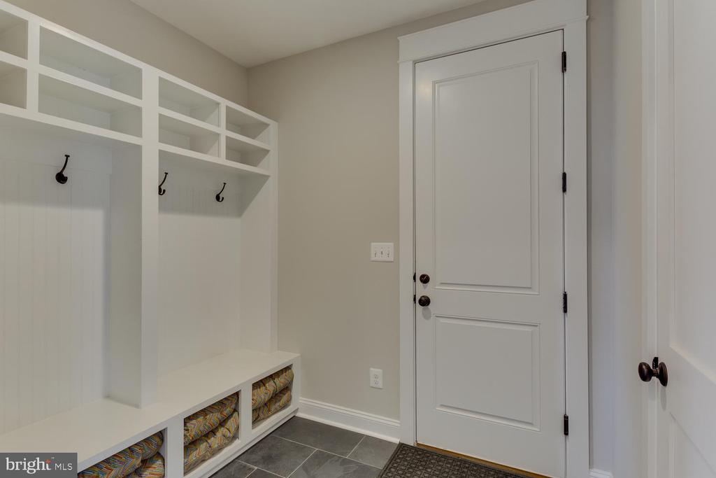Mud Room - 2809 ROSEMARY LN, FALLS CHURCH